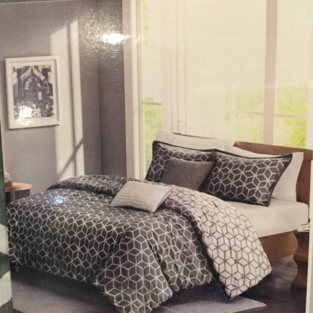 couette alexa queen 5 morceaux reversible grise distribution koloray. Black Bedroom Furniture Sets. Home Design Ideas