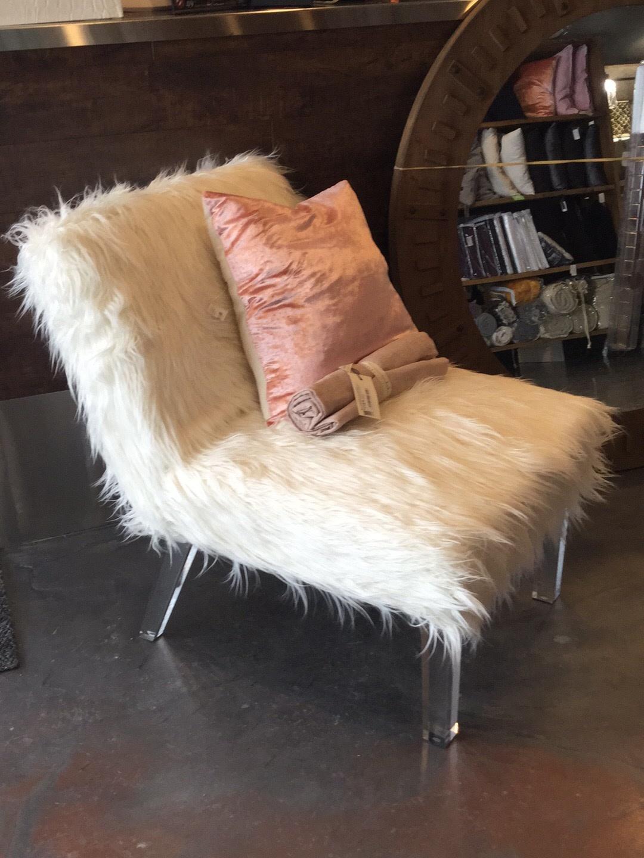 Chaise De Fourrure Blanche