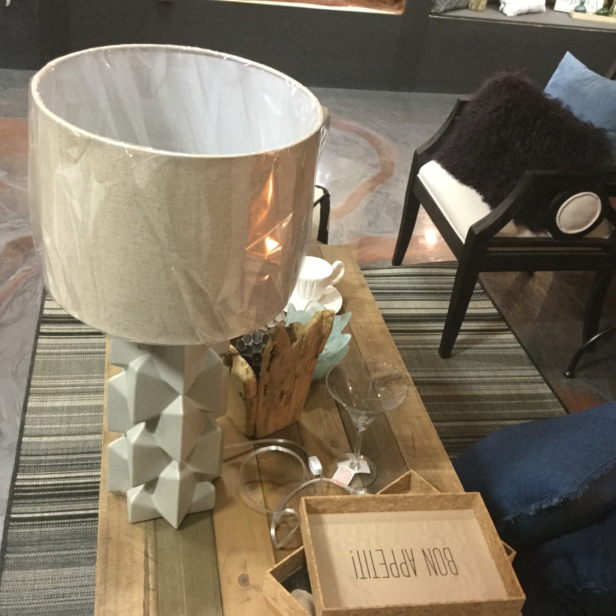FRANCE TABLE LAMP