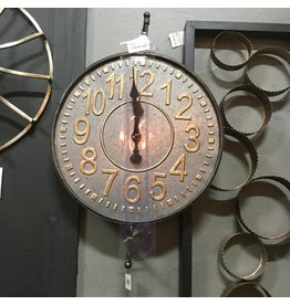 METAL CLOCK ON WALL BRACKET
