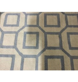 GEOMETRIC PATTERN CARPET IN BLUE-GREY