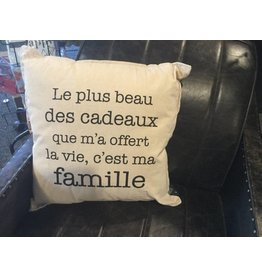 MA FAMILLE PILLOW
