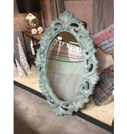 ROMANTIC SCULPTED MIRROR