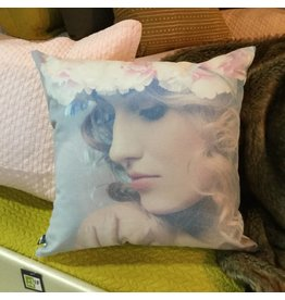 JOYCE PILLOW