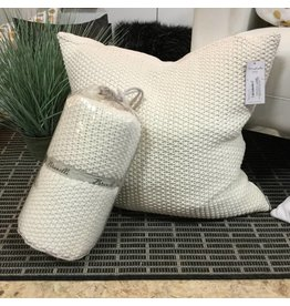 MARSHMALLOW PILLOWS AND THROWS