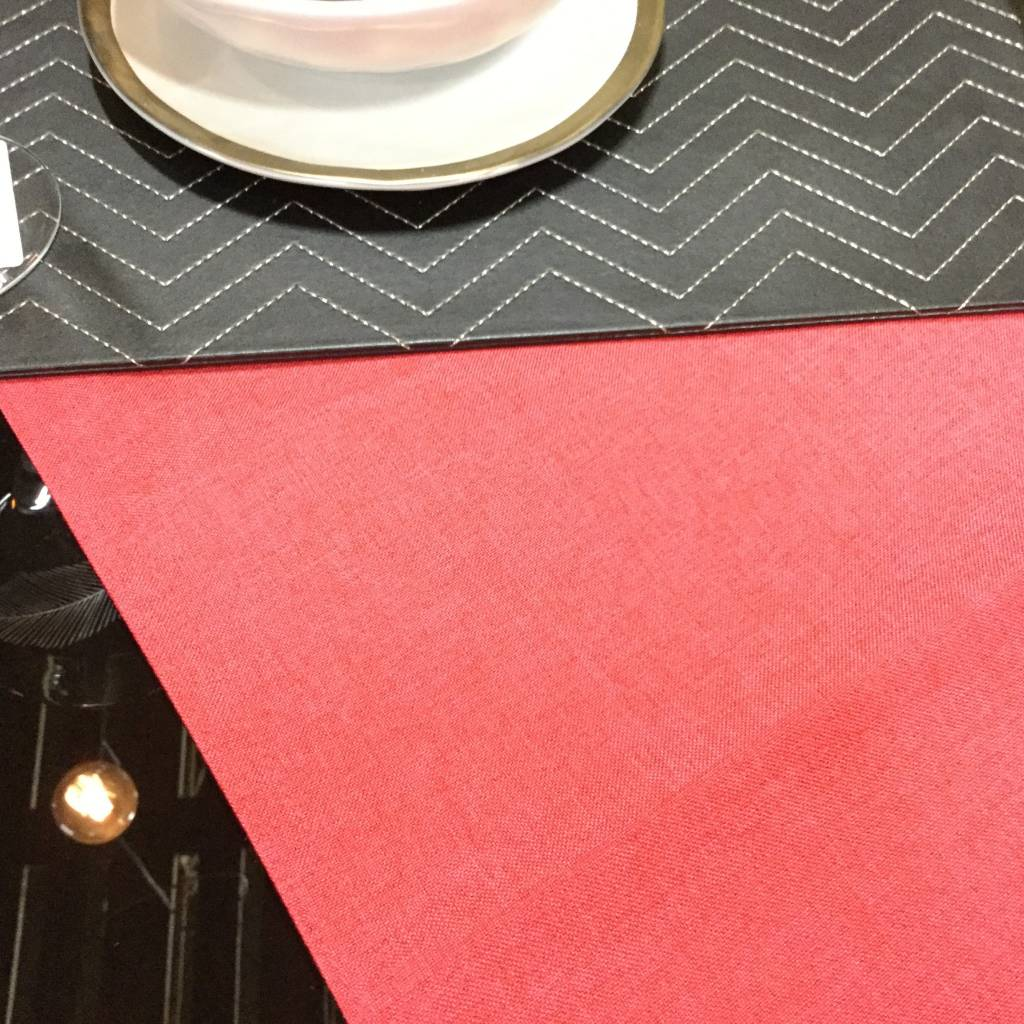 CHALET CHIC TABLE LINENS