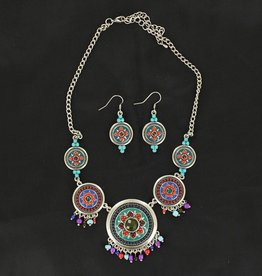 Set - Necklace/Earrings - Beaded Conchos