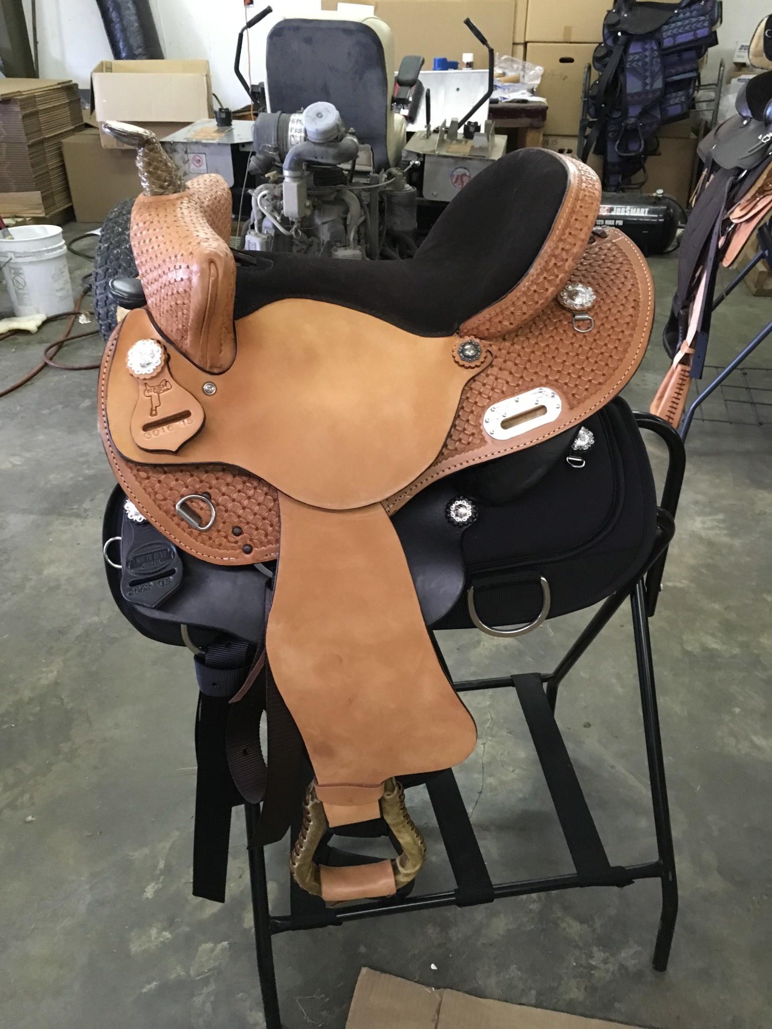 "Nash Saddlery 16"" Reg Bar Nash Bear Trap Barrel Saddle"
