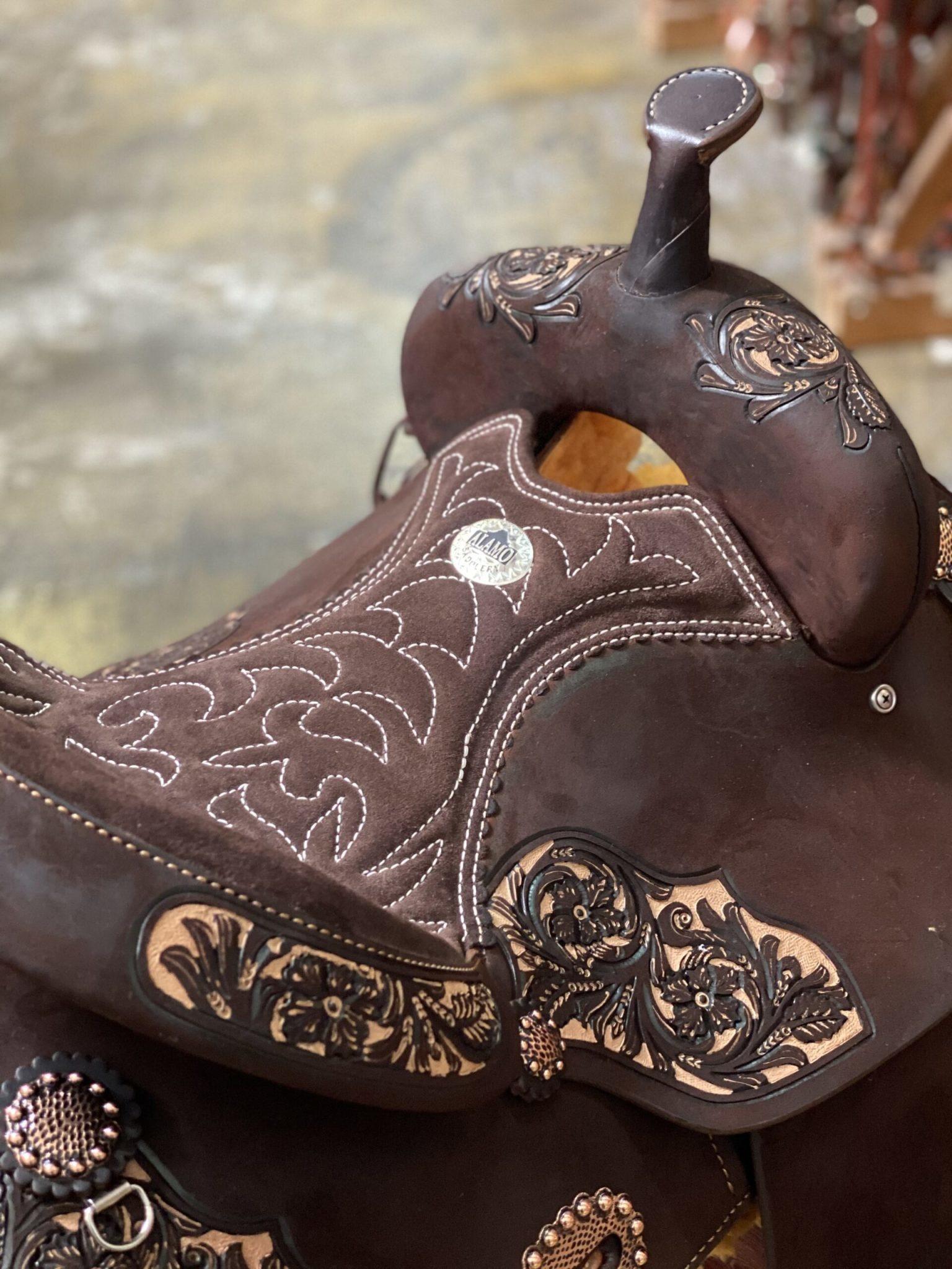 "Alamo 15"" Reg Bar Alamo IRO Barrel Saddle, Chocolate"