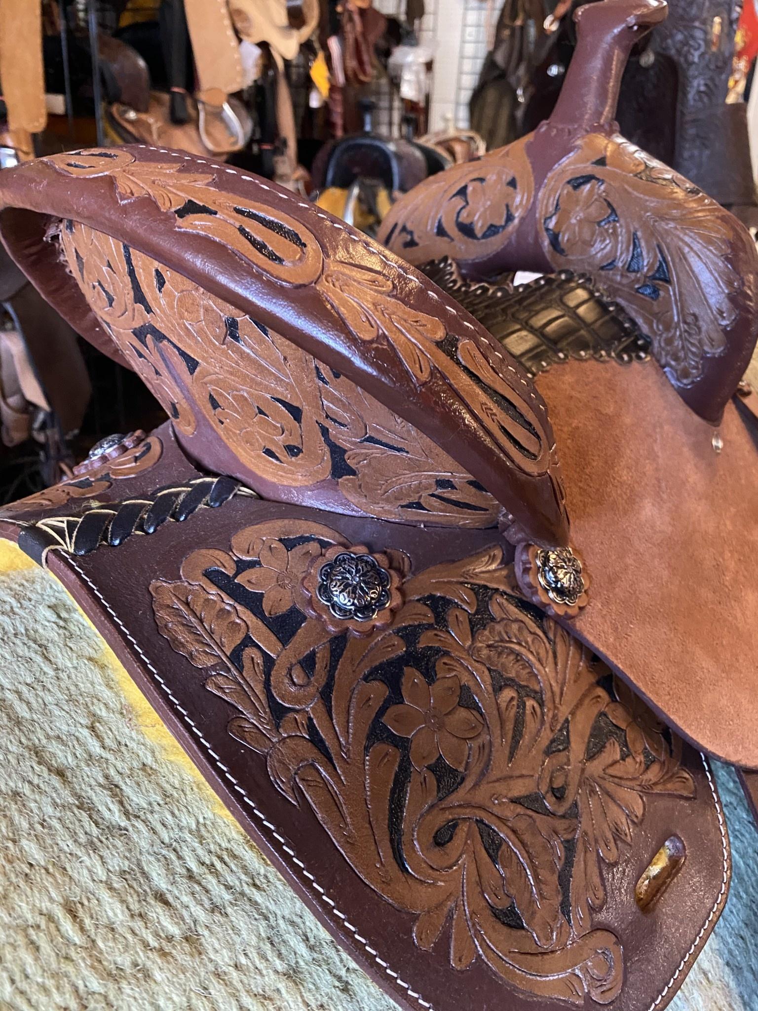 "10"" Reg Bar Wild Star Barrel Saddle"