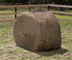 "Hay CHIX Hay Chix - L134x6 HD Round Bale Net - 1-3/4"" Hole Size (Heavy Duty Cord) - 6' Bale"