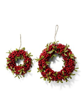 Two's Company Red Berry Wreath