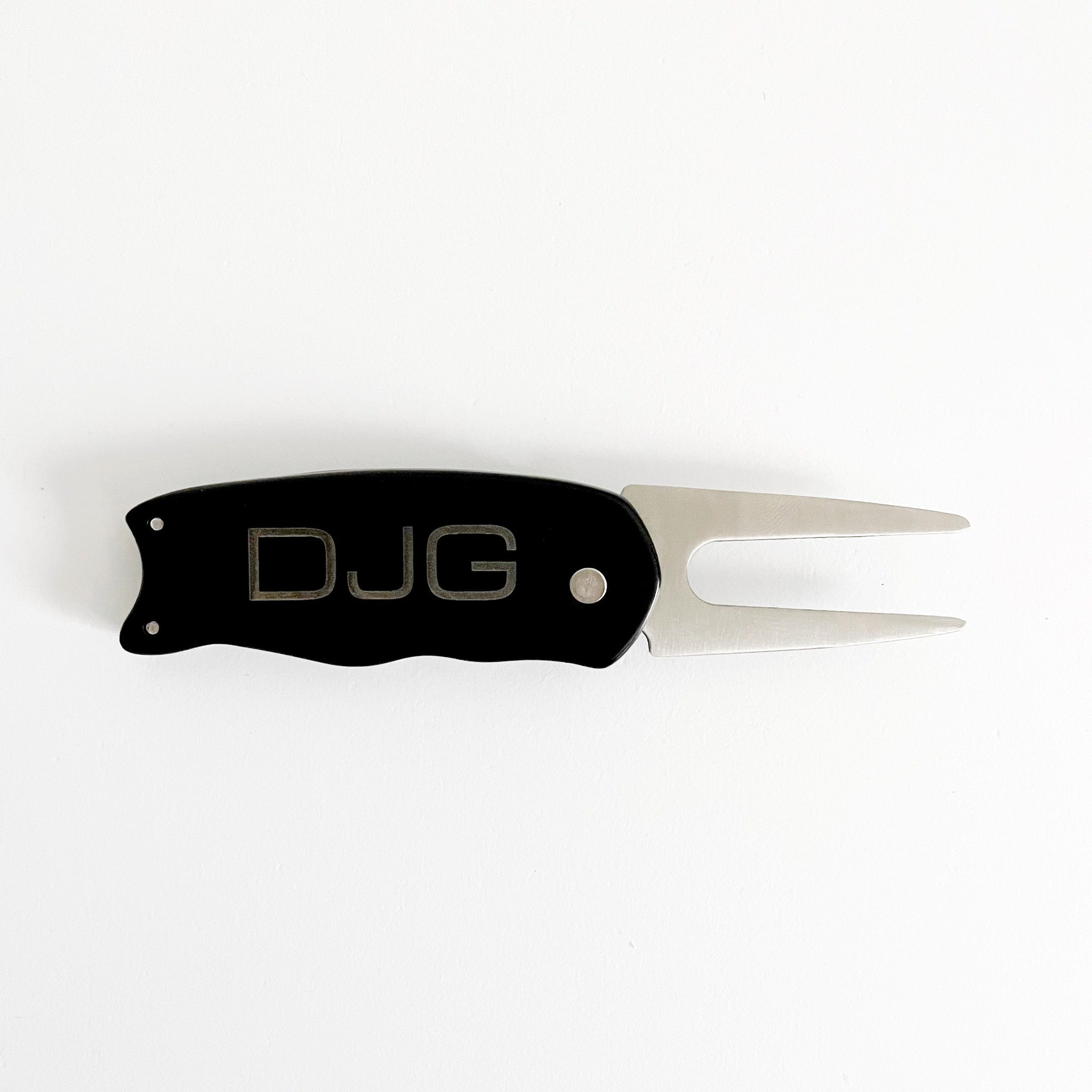 P Graham Dunn Personalized Divot Tool - Black