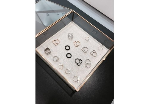 DESIGNER RING B