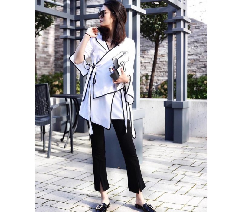 BLACK JACKET WITH WHITE LINE