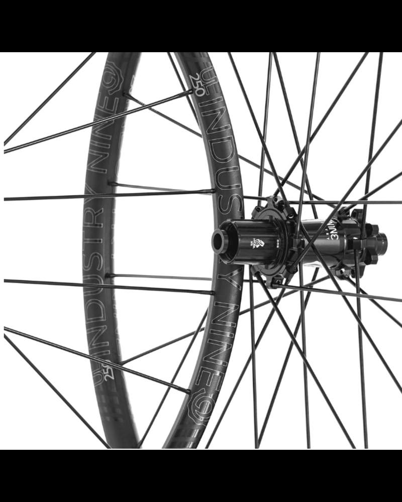 "Industry Nine UL250 27.5"" Shimano"
