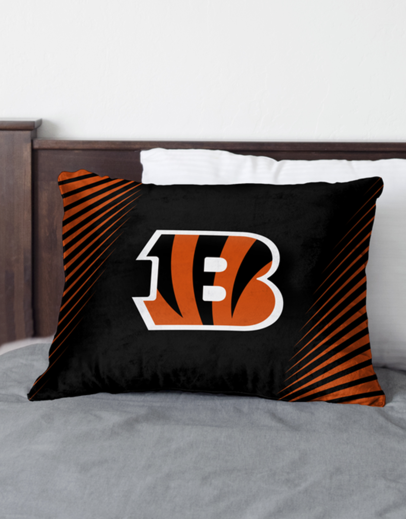 HOVER HELMETS Cincinnati Bengals Side Streak Microplush Pillow Protector