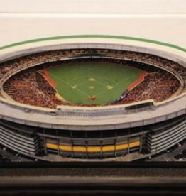 HOMEFIELDS Pittsburgh Pirates 13IN Lighted Replica Three Rivers Stadium (1970-2000)
