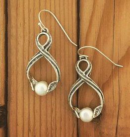Shablool Silver Twist Earring w Pearl and Leaf