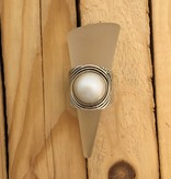 M Style Large Pearl Ring w Wavy Lines on Band Sz 7