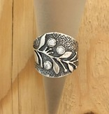 Shablool Wide Band Vine w 3 CZ Ring Sz 6.5