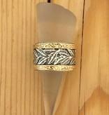 Shablool Gold Lined Leaf Band Sz 8