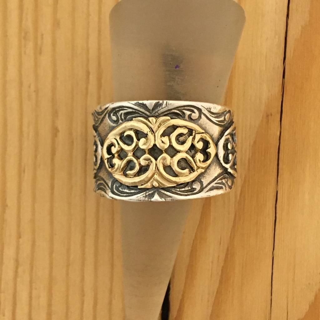 Shablool Silver Ring w Gold Centre Detail Sz 9