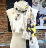 Fraas Fraas Yellow and Grey Flowers Scarf- Grey