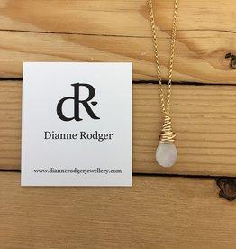 """Dianne Rodger Sm Gold Petal Necklace- Moonstone 18"""""""