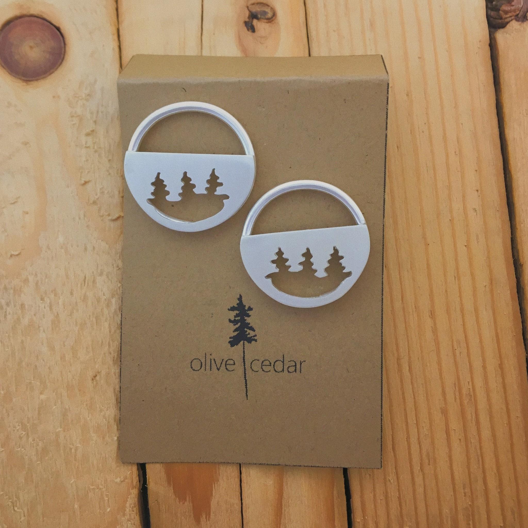 Olive Cedar Half Moon Circle Stud Lrg- Pines