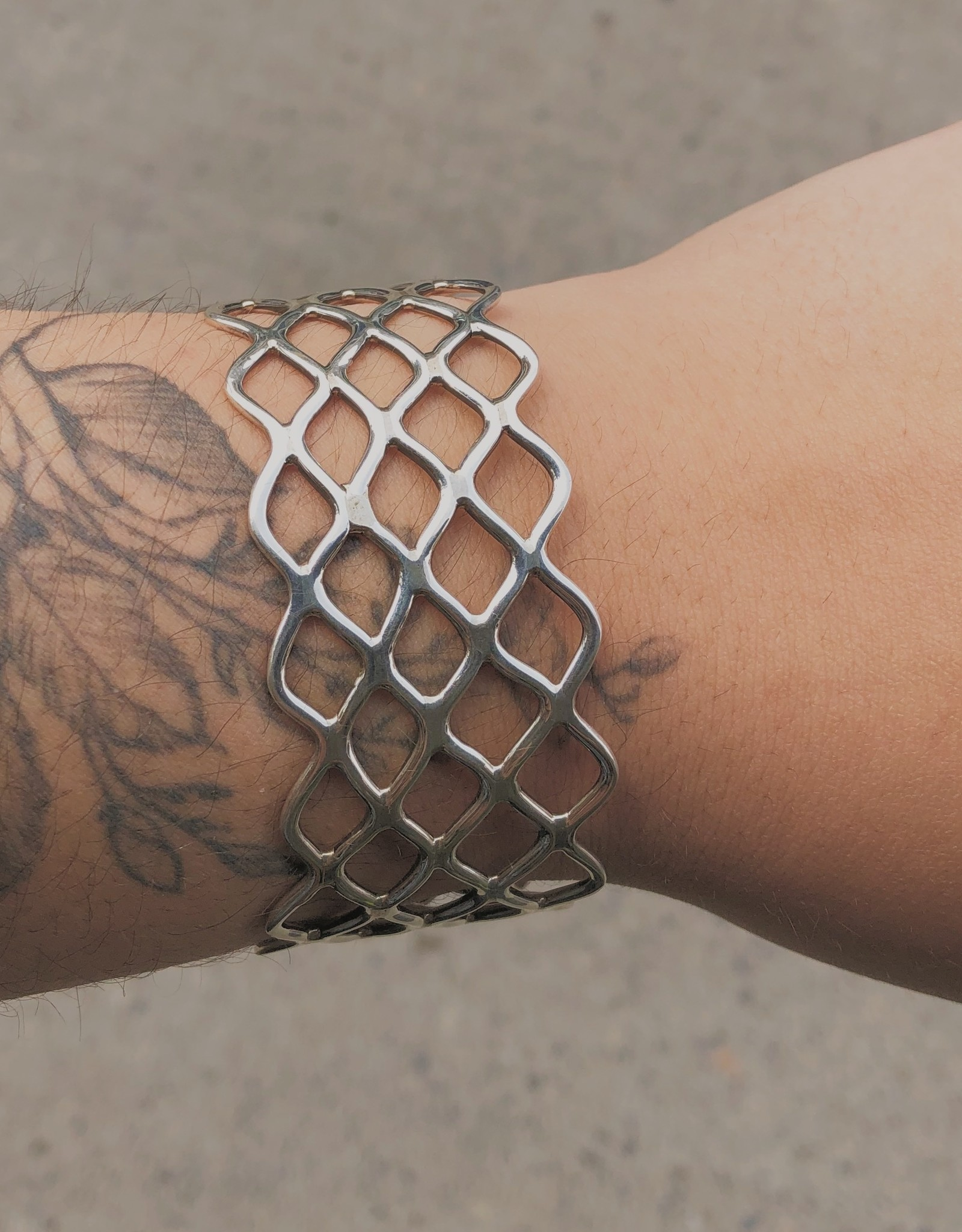M Style Thick Crisscross Cuff