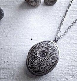 """Pika & Bear """"Emma"""" Antique Silver Locket"""