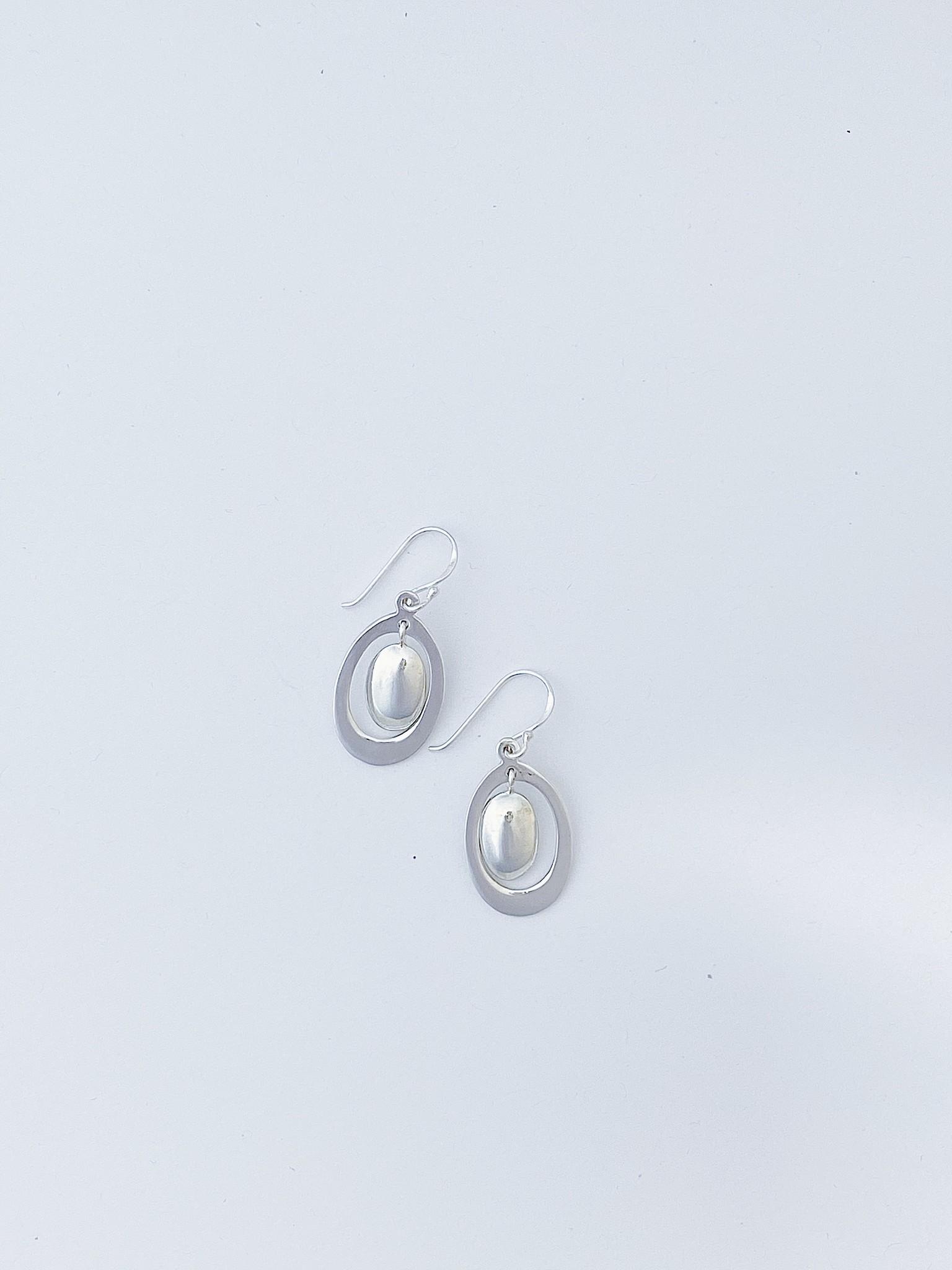 Bamiyan Oval Drop w Centre Dangle Earring