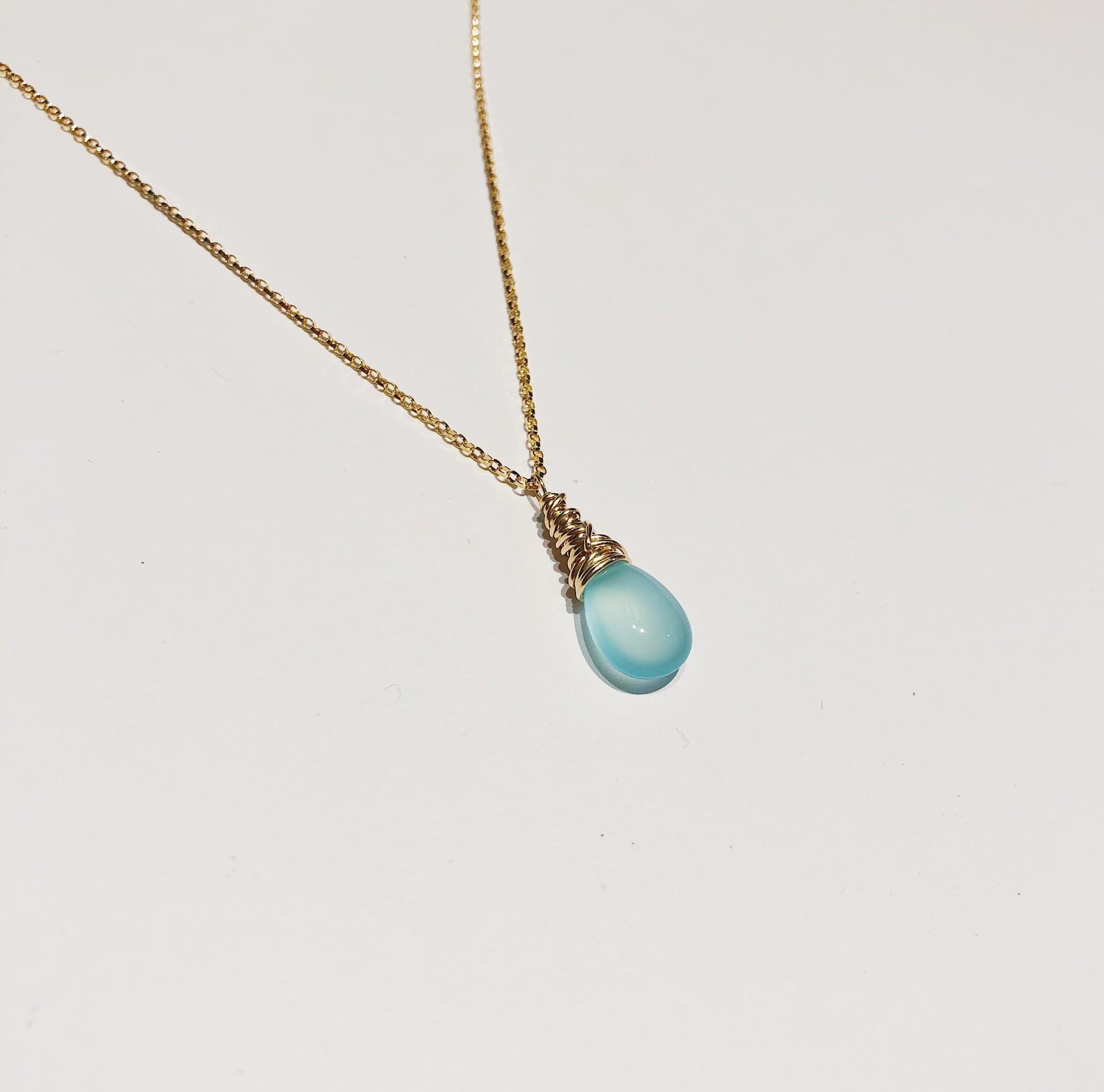 """Dianne Rodger Small Gold Petal Necklace 18""""- Chalcedony"""