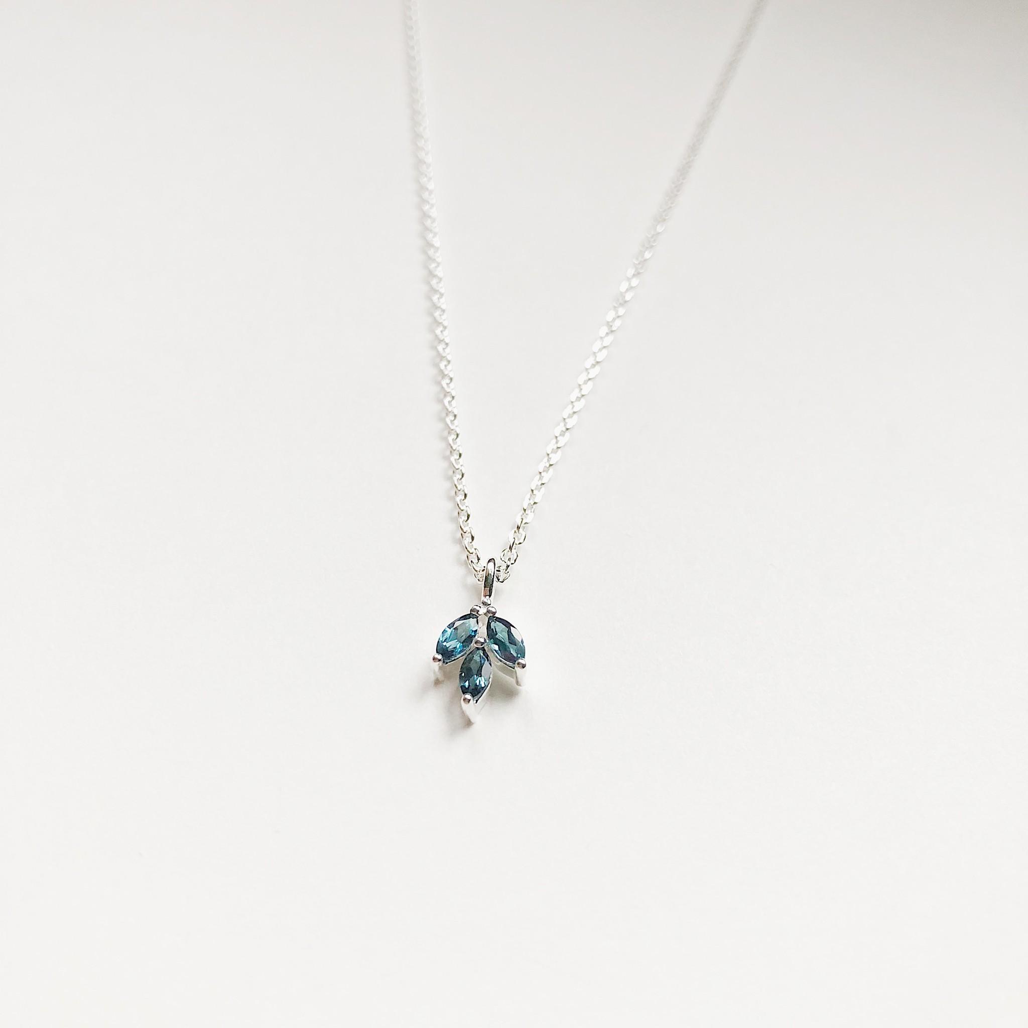 """Tashi Tiny Petals Necklace 16-18"""""""