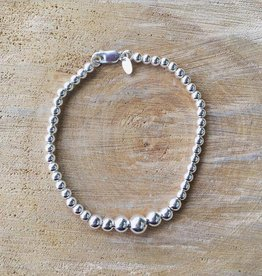 Bamiyan Graduated Sterling Silver Ball Bracelet