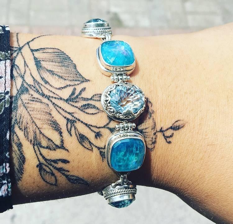 Sky Blue/Glaicier Topaz, Neon Apitite Mother of Pearl, Quartz Bracelet