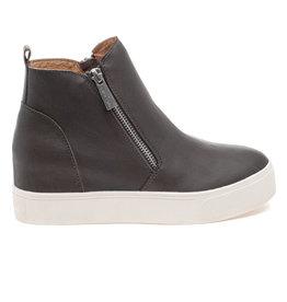 J/Slides J/Slide Sky Sneaker