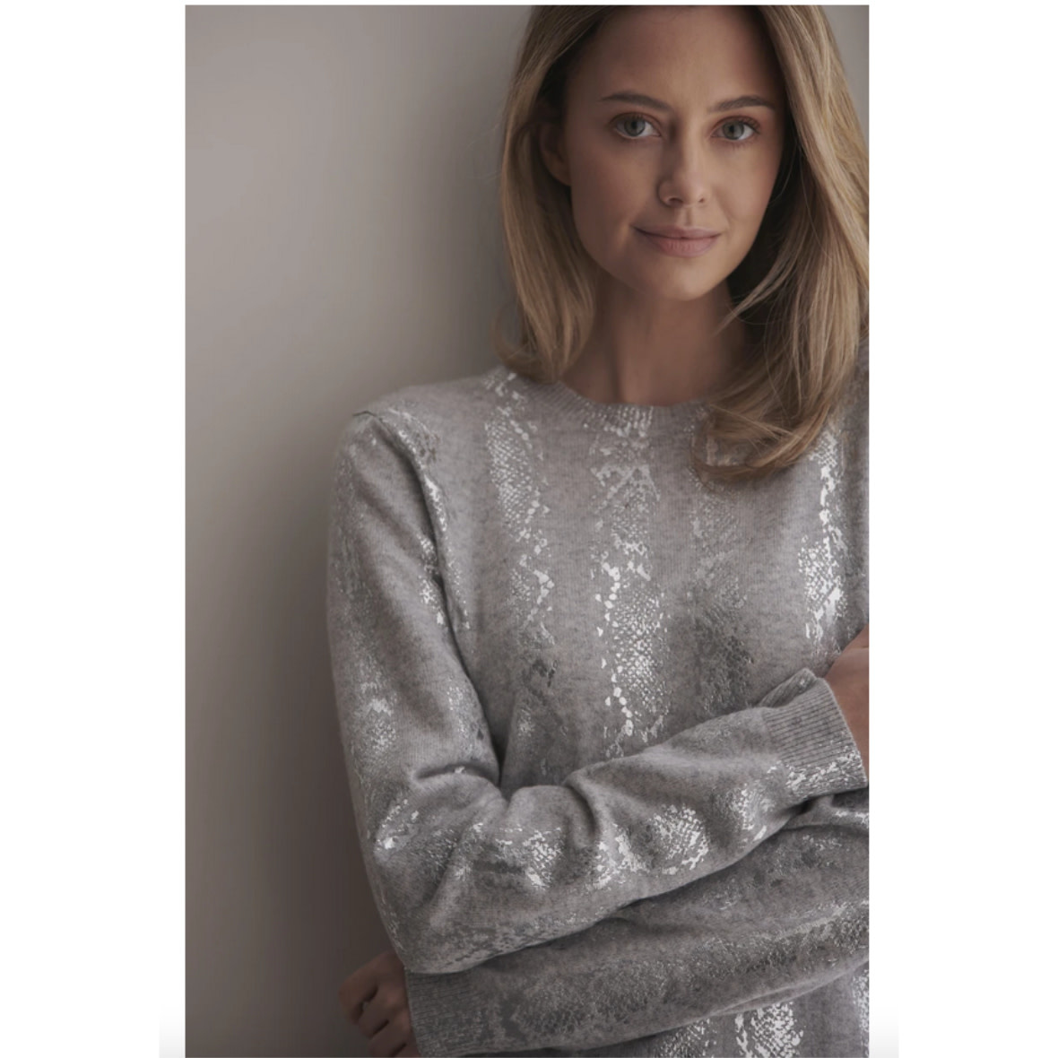 Brodie Cashmere Brodie Cashmere Snake Foil Sweater