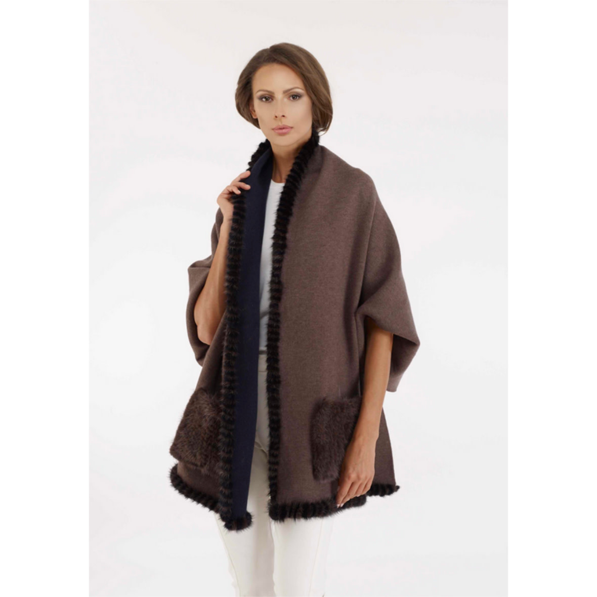 Diomi Diomi Woven Wrap w/ Cuffs and Mink Pockects