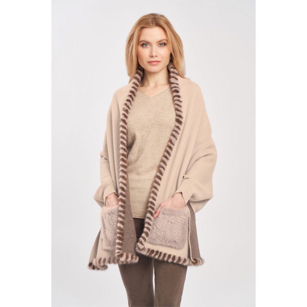 Diomi Diomi Woven Wrap w/ Cuffs and Mink Pockets