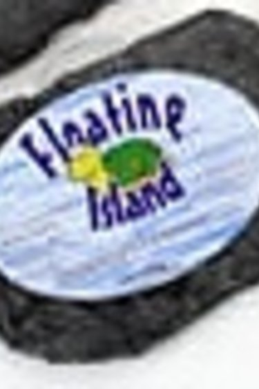 Pet-Tekk Île flottante – Floating island
