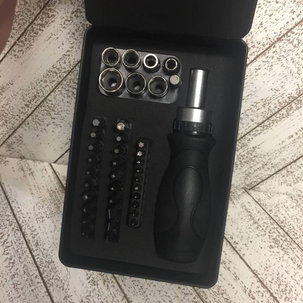 Easy Tiger Kit Screwdriver