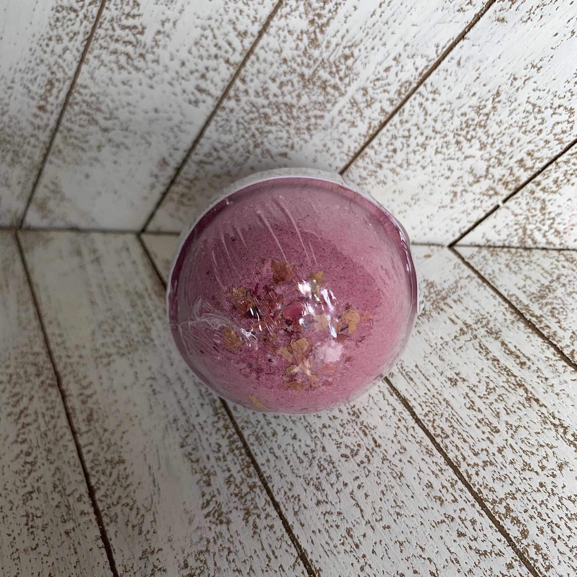 Honey Belle Bath Bomb - Beautiful