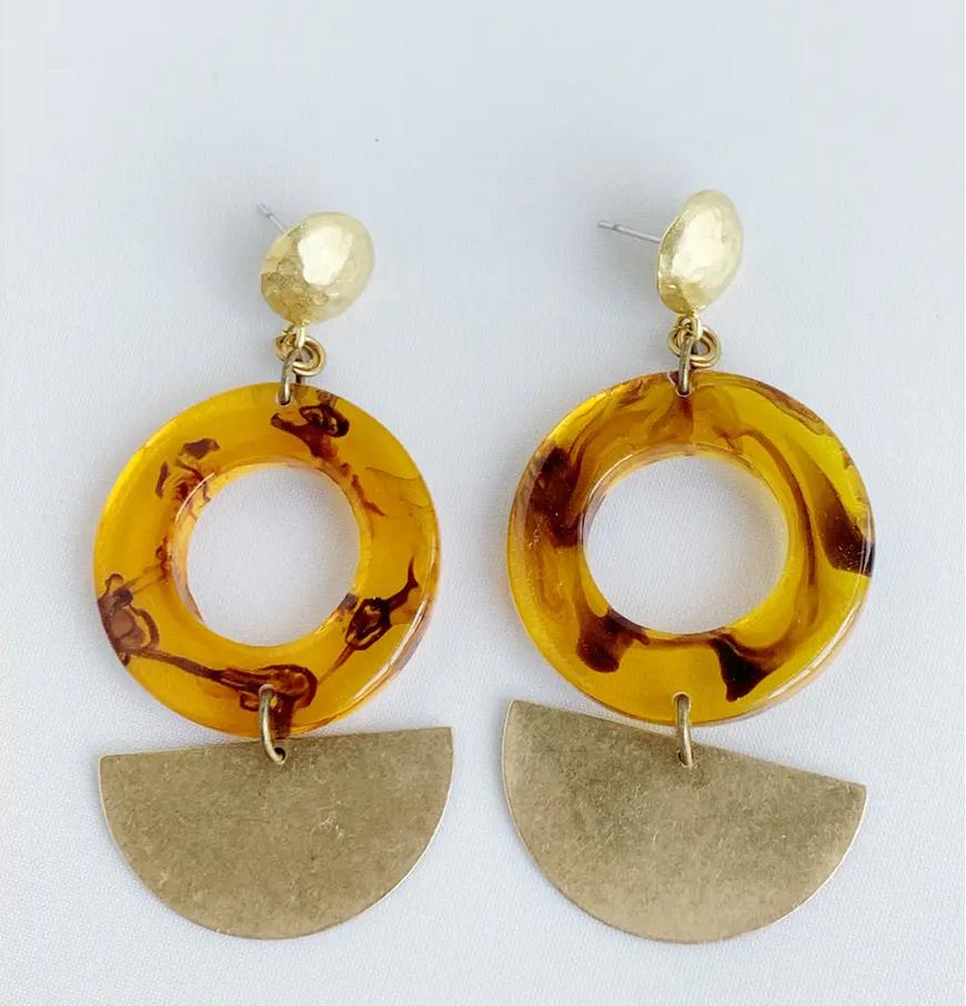 Bou-Cou Tort Shell w/ Gold Earrings