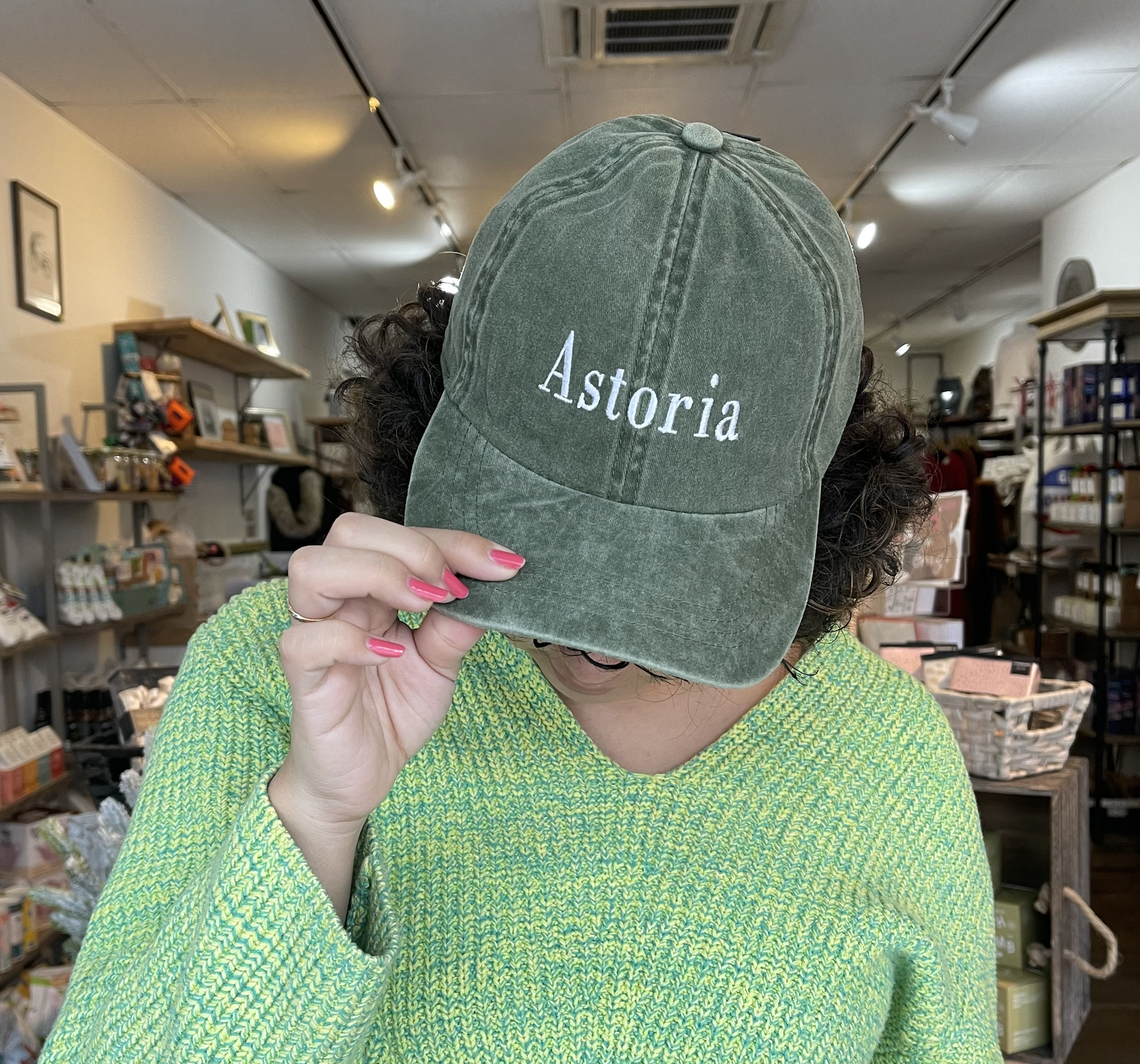 David & Young Astoria Type  - Olive