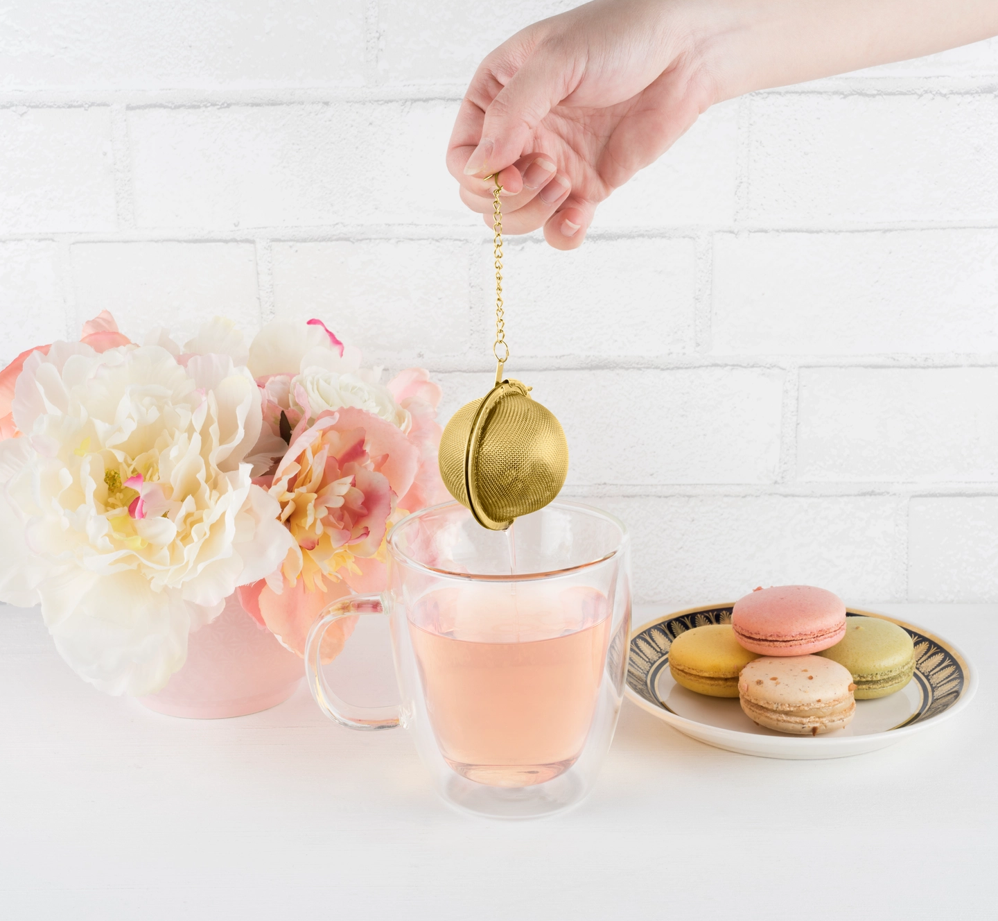 Pinky Up Small Tea Infuser Ball-Gold