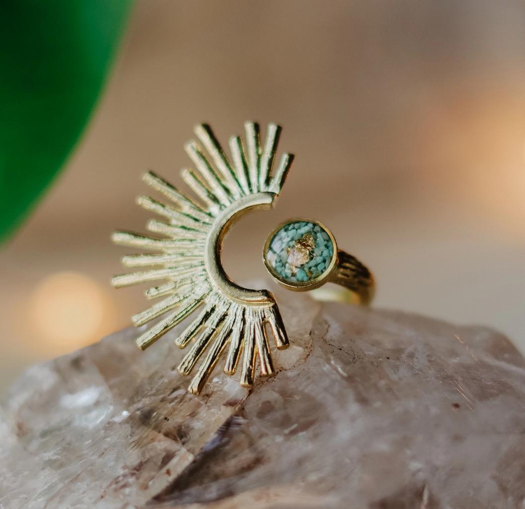 Cameoko Adjustable Brass Starburst Ring -green turquoise