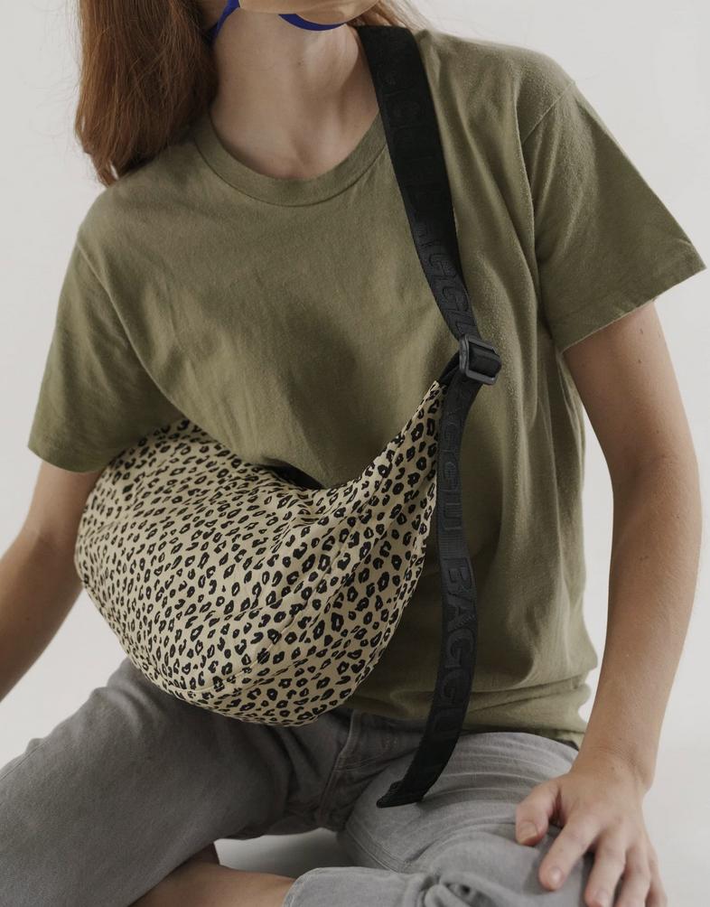 Baggu Medium Nylon Crescent Bag - Honey Leopard
