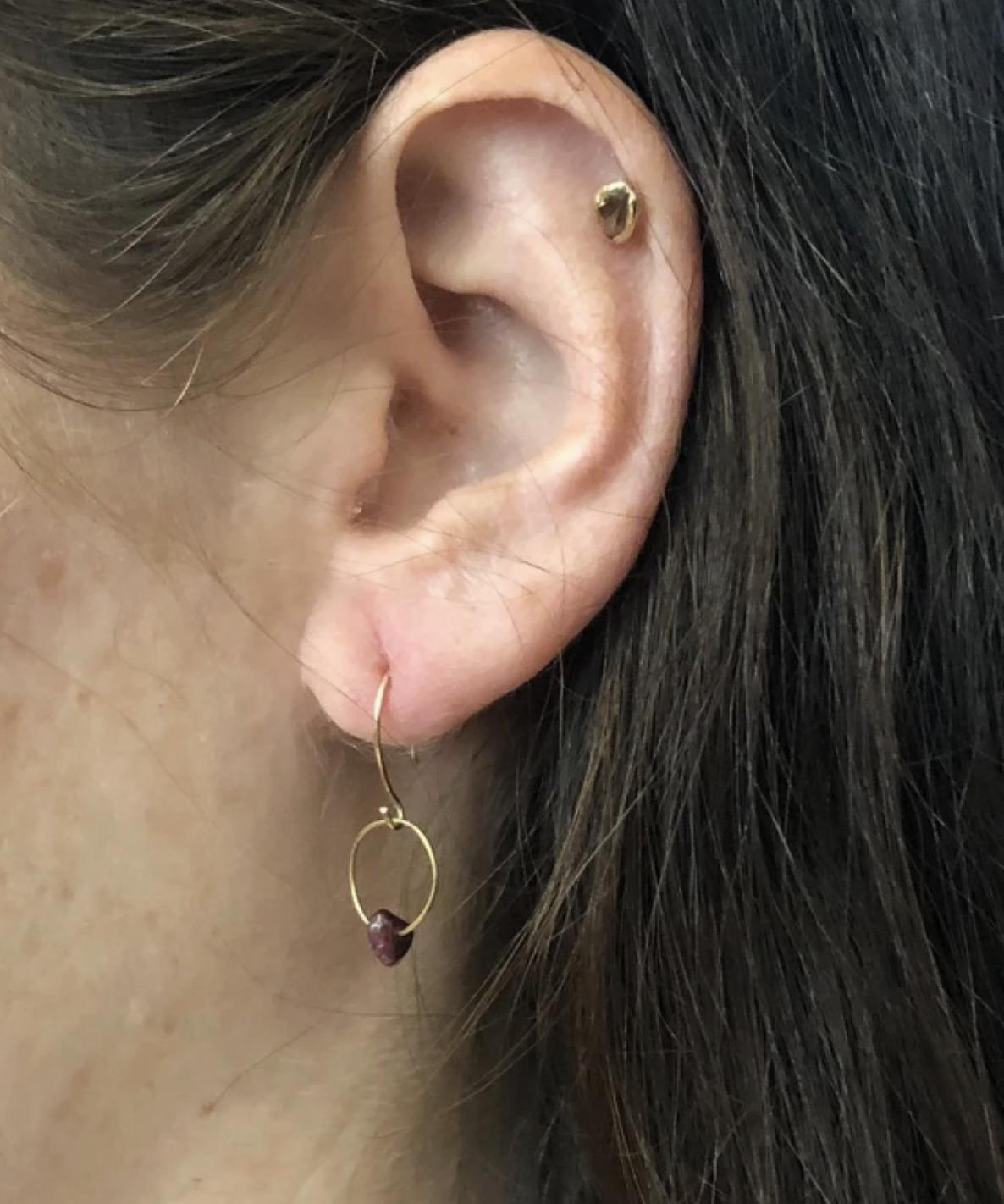 Emilie Shapiro Birthstone Earring-January(Garnet)